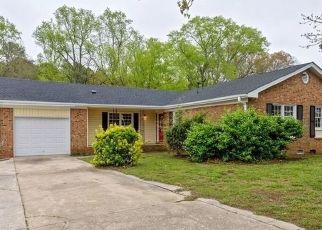 Foreclosed Home in Fayetteville 28303 BROOKFIELD RD - Property ID: 4483960417
