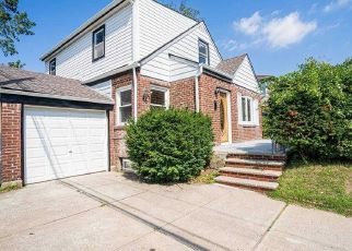 Foreclosed Home in Elmont 11003 KINGSTON ST - Property ID: 4483970939