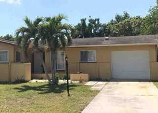 Foreclosed Home in Cape Coral 33904 SE 10TH CT - Property ID: 4484022612