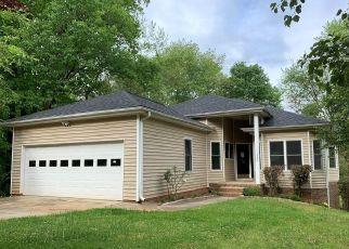 Foreclosed Home in Winston Salem 27103 BEAVERTON TRL - Property ID: 4484029624