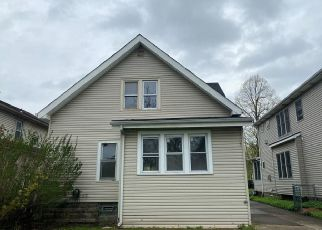 Foreclosed Home in Buffalo 14220 WOODSIDE AVE - Property ID: 4484036181