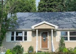 Foreclosed Home in Stratford 06615 GENERAL ST - Property ID: 4484229782