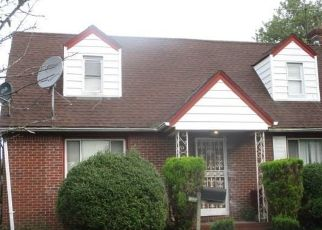 Foreclosed Home in Elmont 11003 PARKWAY DR - Property ID: 4484559119
