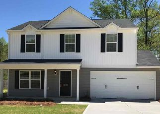 Foreclosed Home in Greensboro 27405 MATTHEW OAKS CT - Property ID: 4484571389