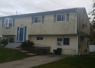 Foreclosed Home in Selden 11784 REMINGTON AVE - Property ID: 4484823673