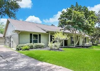 Foreclosed Home in Houston 77096 GLENMEADOW DR - Property ID: 4484856970
