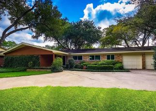 Foreclosed Home in Houston 77035 WILLOWGROVE DR - Property ID: 4484858710