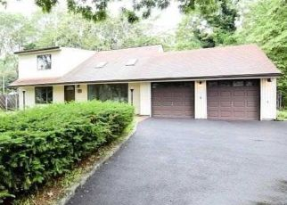 Foreclosed Home in Farmingville 11738 OLD MEDFORD AVE - Property ID: 4484996672
