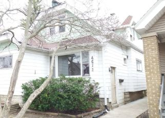 Foreclosed Home in Milwaukee 53209 N 38TH ST - Property ID: 4485155653