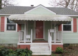 Foreclosed Home in Norfolk 23503 LENOX AVE - Property ID: 4485201190