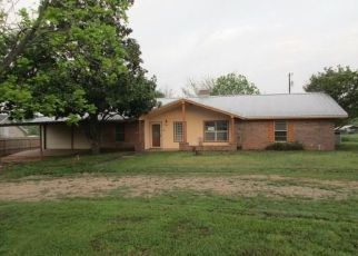 Foreclosed Home in Kingsland 78639 RIVER OAKS DR - Property ID: 4485285285