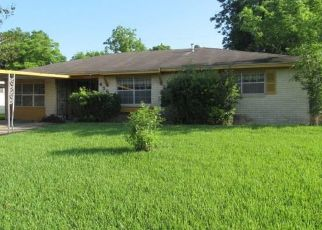 Foreclosed Home in Houston 77047 AKARD ST - Property ID: 4485288805