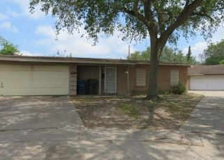 Foreclosed Home in Corpus Christi 78411 PANAMA DR - Property ID: 4485295358