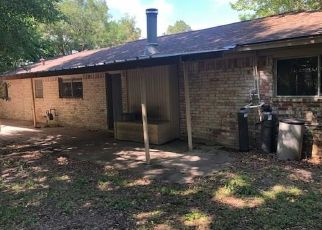 Foreclosed Home in Alvin 77511 COUNTY ROAD 890 - Property ID: 4485307182