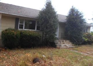 Foreclosed Home in Cortlandt Manor 10567 ARMSTRONG ST - Property ID: 4485379456