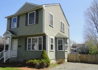 Foreclosed Home in Warwick 02889 WAVERLY ST - Property ID: 4485435518