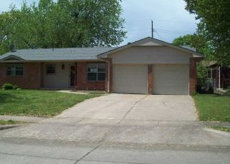 Foreclosed Home in Ponca City 74604 AMES AVE - Property ID: 4485520480