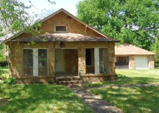Foreclosed Home in Afton 74331 SECOND ST - Property ID: 4485526620