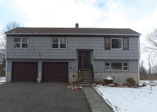 Foreclosed Home in Milford 06460 DEERWOOD AVE - Property ID: 4485584425
