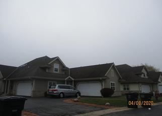 Foreclosed Home in Milwaukee 53220 S WATERVIEW CT - Property ID: 4485600190