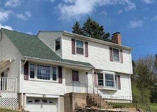 Foreclosed Home in Manchester 06042 POND LN - Property ID: 4485616394