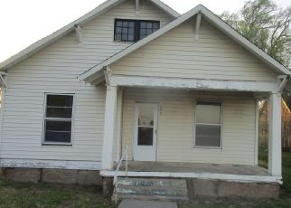 Foreclosed Home in Claude 79019 PARKS ST - Property ID: 4486069259