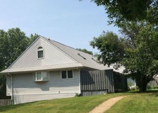 Foreclosed Home in Rockford 61108 LARAMIE LN - Property ID: 4486085464