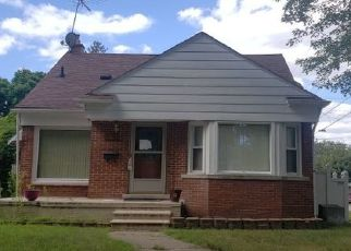 Foreclosed Home in Redford 48239 RIVERDALE - Property ID: 4486106492