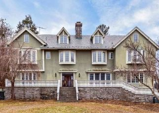 Foreclosed Home in Mendham 07945 HILLTOP RD - Property ID: 4486129711