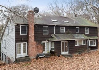 Foreclosed Home in Smithtown 11787 RIVERVIEW TER - Property ID: 4486159485