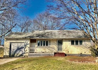 Foreclosed Home in Bellport 11713 MICHIGAN AVE - Property ID: 4486175698