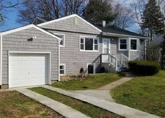 Foreclosed Home in Central Islip 11722 JUNIPER ST - Property ID: 4486199790