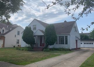 Foreclosed Home in Cleveland 44118 EASTWAY RD - Property ID: 4486718336
