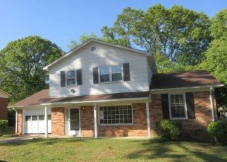 Foreclosed Home in Fayetteville 28303 GLEN CANYON DR - Property ID: 4486793226