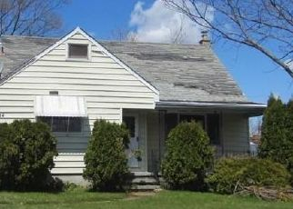 Foreclosed Home in Buffalo 14223 MOULTON AVE - Property ID: 4486830460