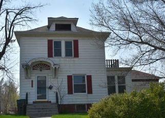 Foreclosed Home in Moberly 65270 W LOGAN ST - Property ID: 4486923310
