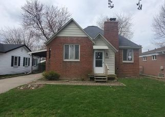 Foreclosed Home in Saint Clair Shores 48082 MAPLEGROVE ST - Property ID: 4487052516