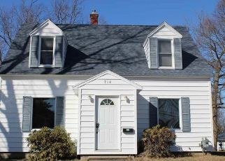 Foreclosed Home in Cadillac 49601 MARBLE ST - Property ID: 4487062139