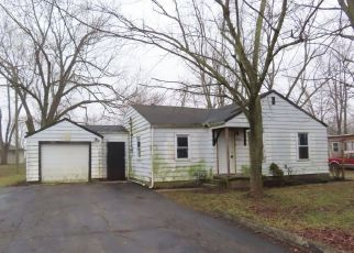 Foreclosed Home in Muncie 47302 E PICCADILLY RD - Property ID: 4487135741