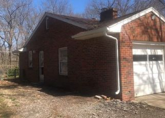 Foreclosed Home in Kansas City 66104 N 53RD ST - Property ID: 4487262297