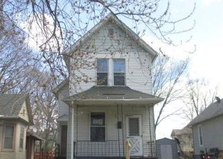 Foreclosed Home in Davenport 52803 BRIDGE AVE - Property ID: 4487313549