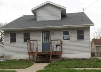 Foreclosed Home in Newton 50208 S 2ND AVE E - Property ID: 4487316166