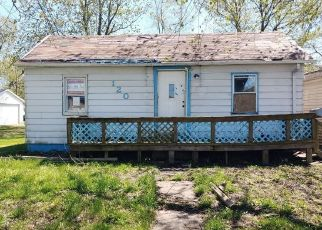 Foreclosed Home in Litchfield 62056 S OLD ROUTE 66 - Property ID: 4487343327