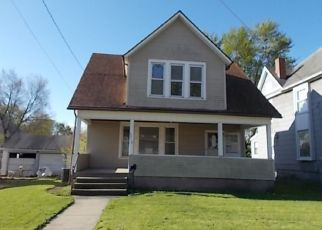 Foreclosed Home in Dixon 61021 W 3RD ST - Property ID: 4487365221
