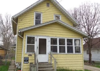 Foreclosed Home in Rockford 61101 FAIRVIEW AVE - Property ID: 4487370932
