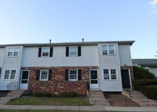 Foreclosed Home in Enfield 06082 BRADLEY CIR - Property ID: 4487394128