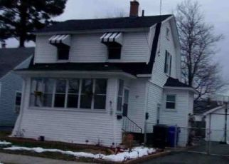 Foreclosed Home in Springfield 01104 GLENHAM ST - Property ID: 4487400713