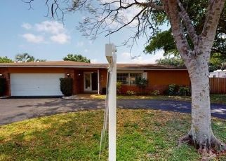 Foreclosed Home in Fort Lauderdale 33317 SW 69TH TER - Property ID: 4487437494