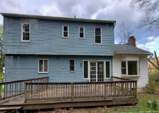 Foreclosed Home in Sandy Hook 06482 WALNUT TREE HILL RD - Property ID: 4487464653
