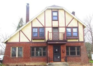 Foreclosed Home in Cleveland 44118 S COMPTON RD - Property ID: 4487489616
